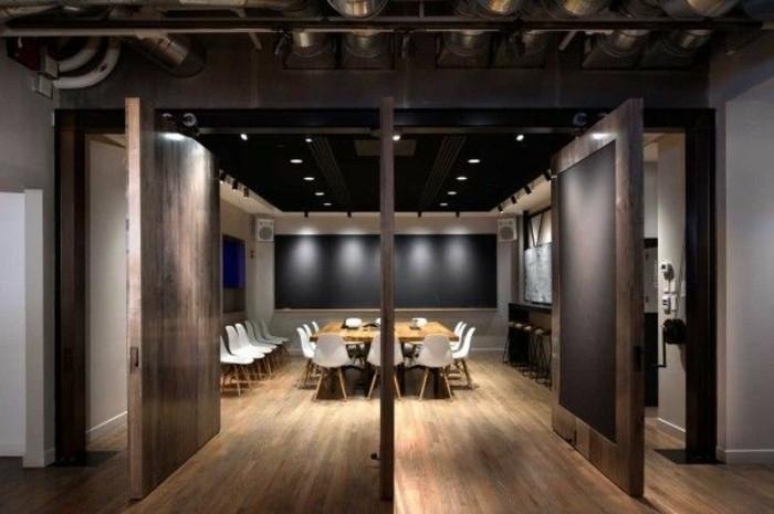 Büromöbel-besprechung stisch-dunkelholz-boden