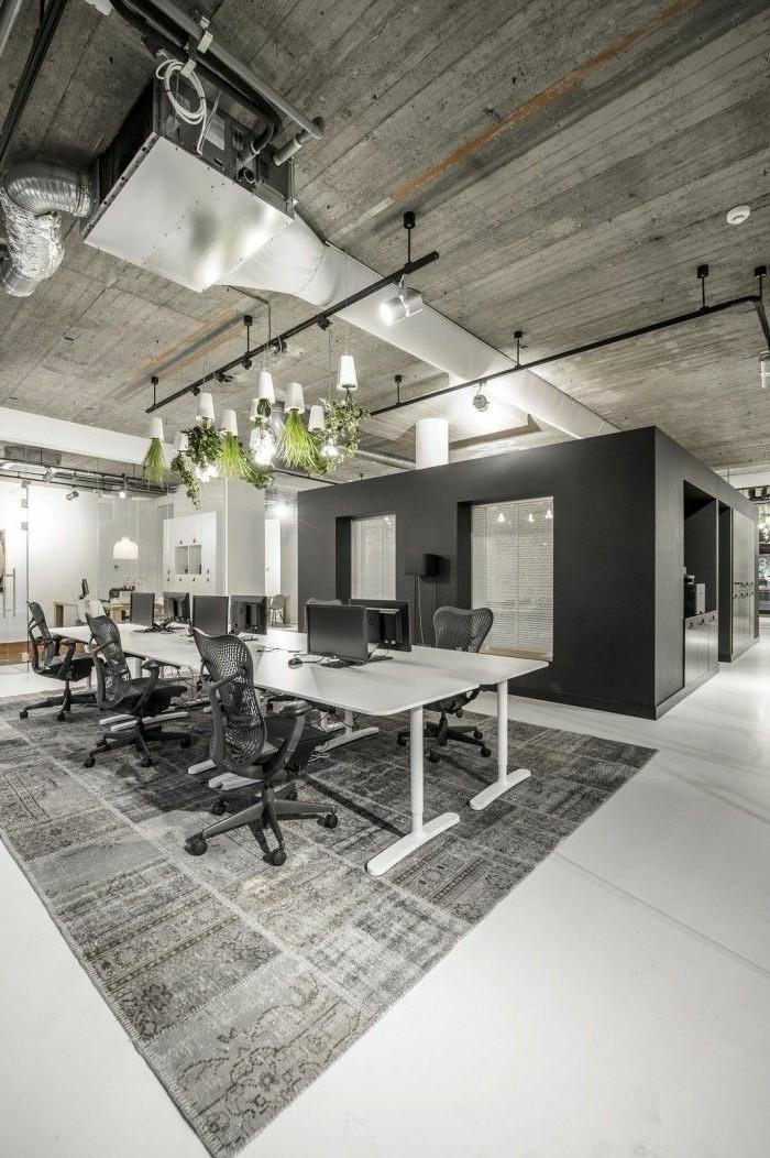 Büromöbel-besprechung stisch-holz-decke