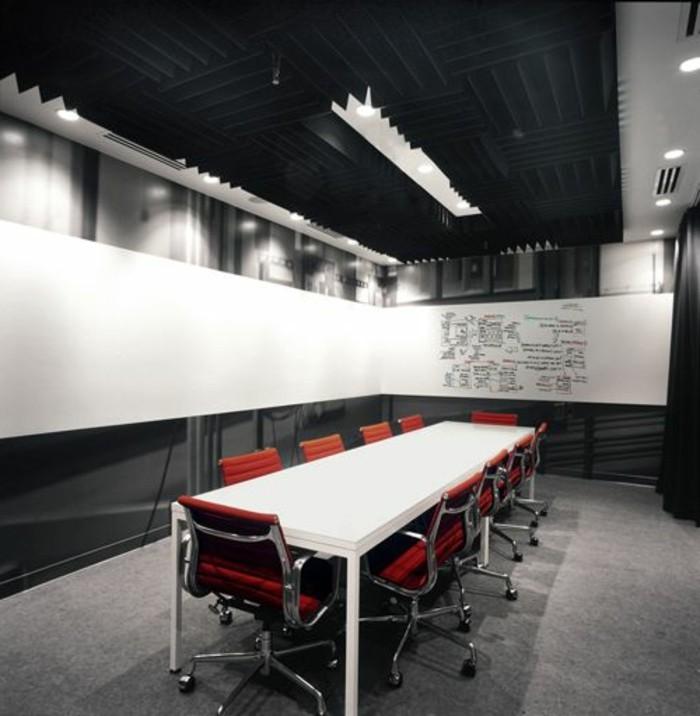 Büromöbel-konferenztisch-rote-stühle