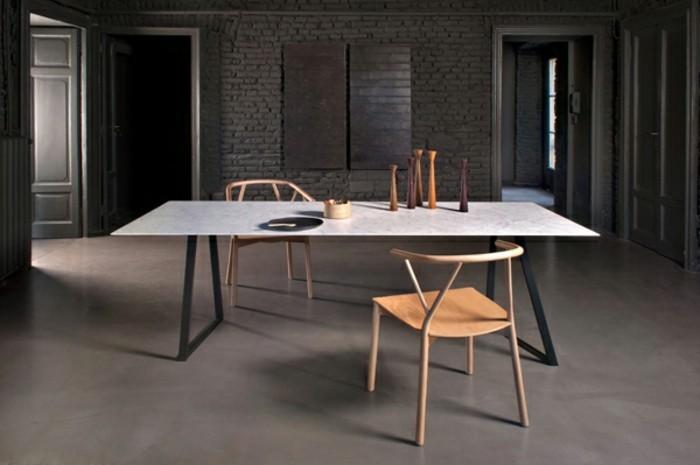 Büromöbel-konferenztisch-und-holz-stühle