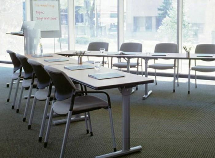 Büromöbel-konferenztisch-viele-stühle