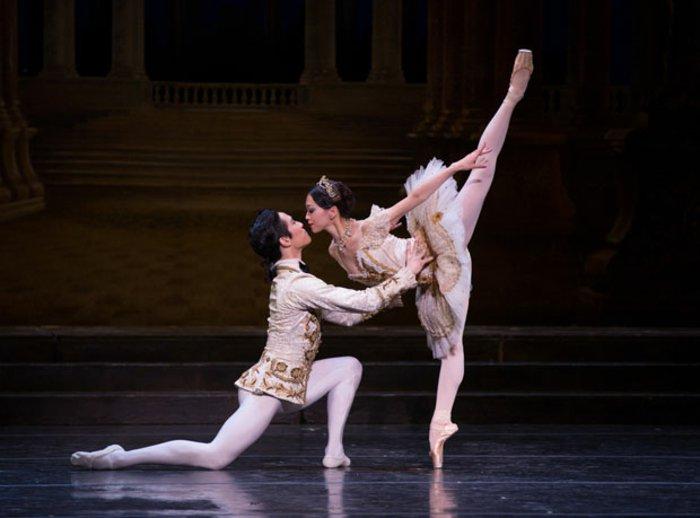 Ballett-Stück-inspiriert-vom-Dornröschen