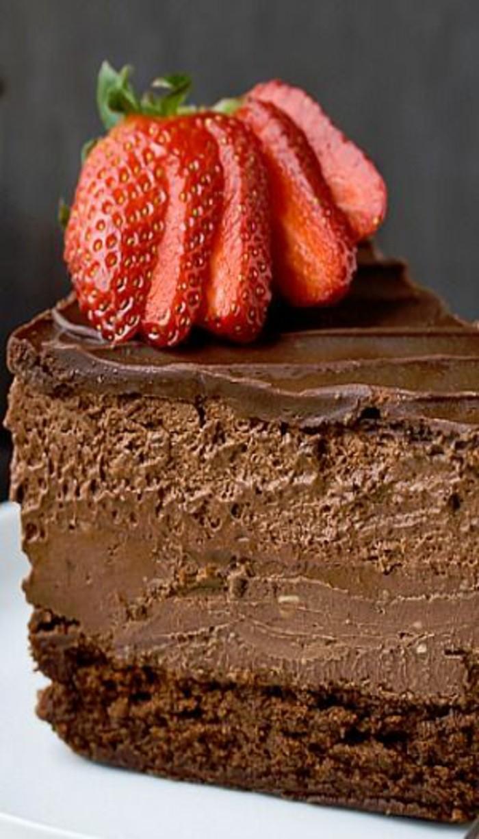 Bester-Schokoladen kuchen-mit-Nuss-und