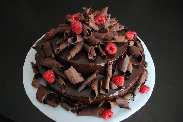 Bester-Schokoladen kuchenmit schokoladen