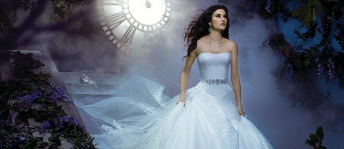 Braut-die-wie-die-Märchenfigur-der-Brüder-Grimm-aussieht
