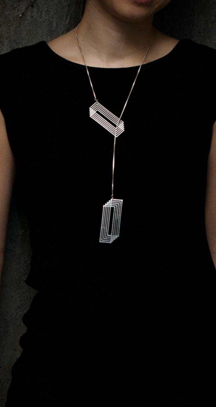 Designerschmuck-fantastisches-Modell-silberne-Kette