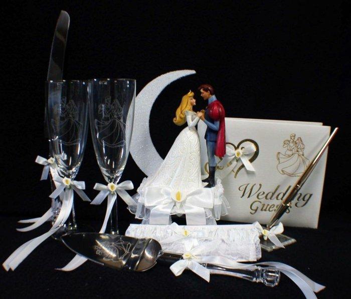 Einladung-zur-Hochzeit-inspiriert-vom-Dornröschen