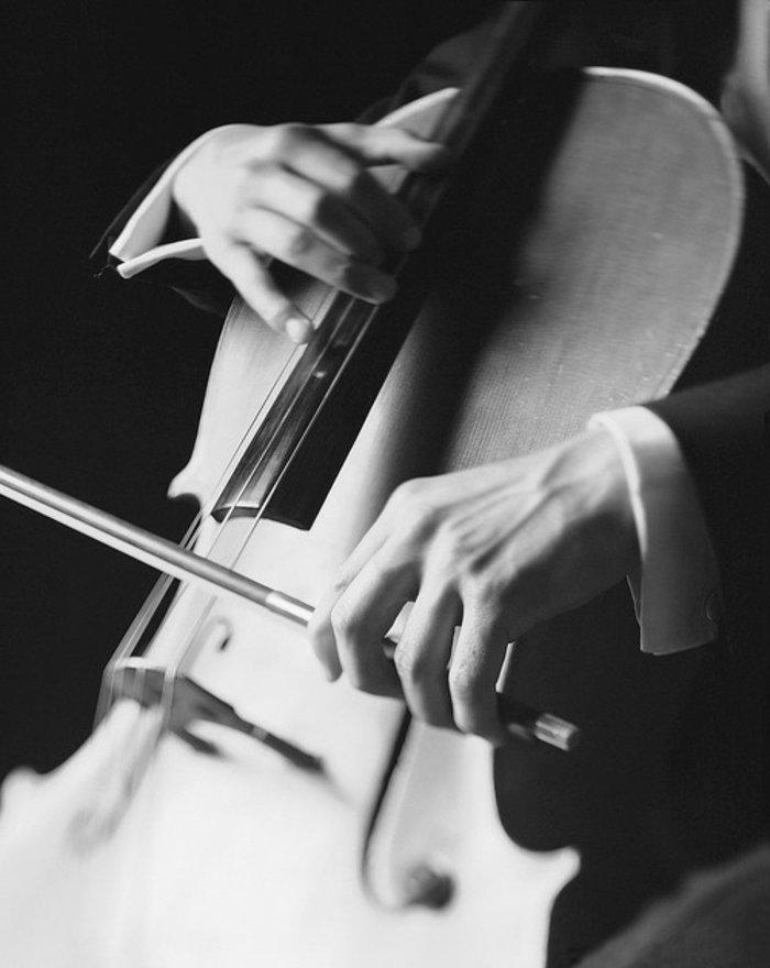 Fine-Art-Fotografie-Violoncello-spielen