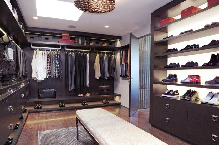 Garderobe-mit-Schuhschrank-für-Männer
