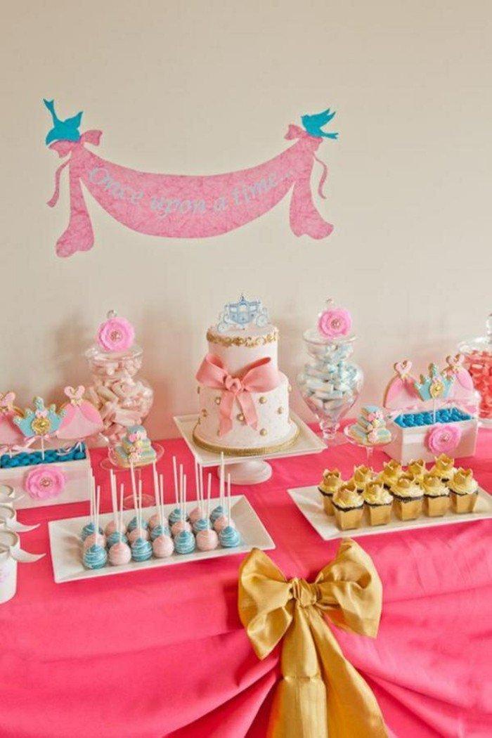 Geburtstagsparty-für-Mädchen-mit-Aschenputtel-Motiven