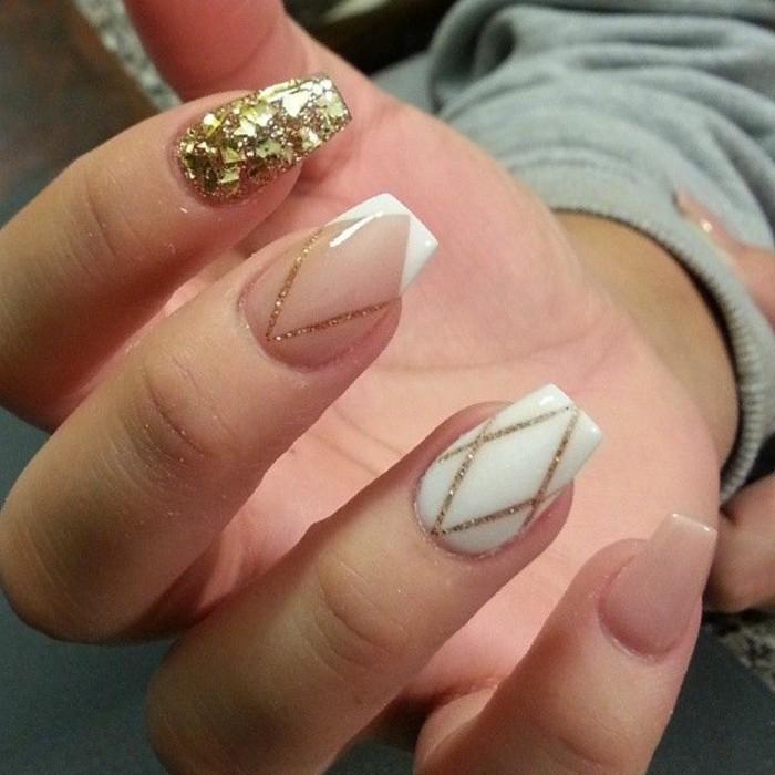 Glitzer-nägel-designs-golden-und-weiß