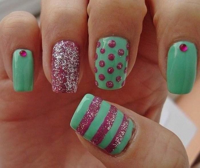 Glitzer-nagellack-rosa-und-grün