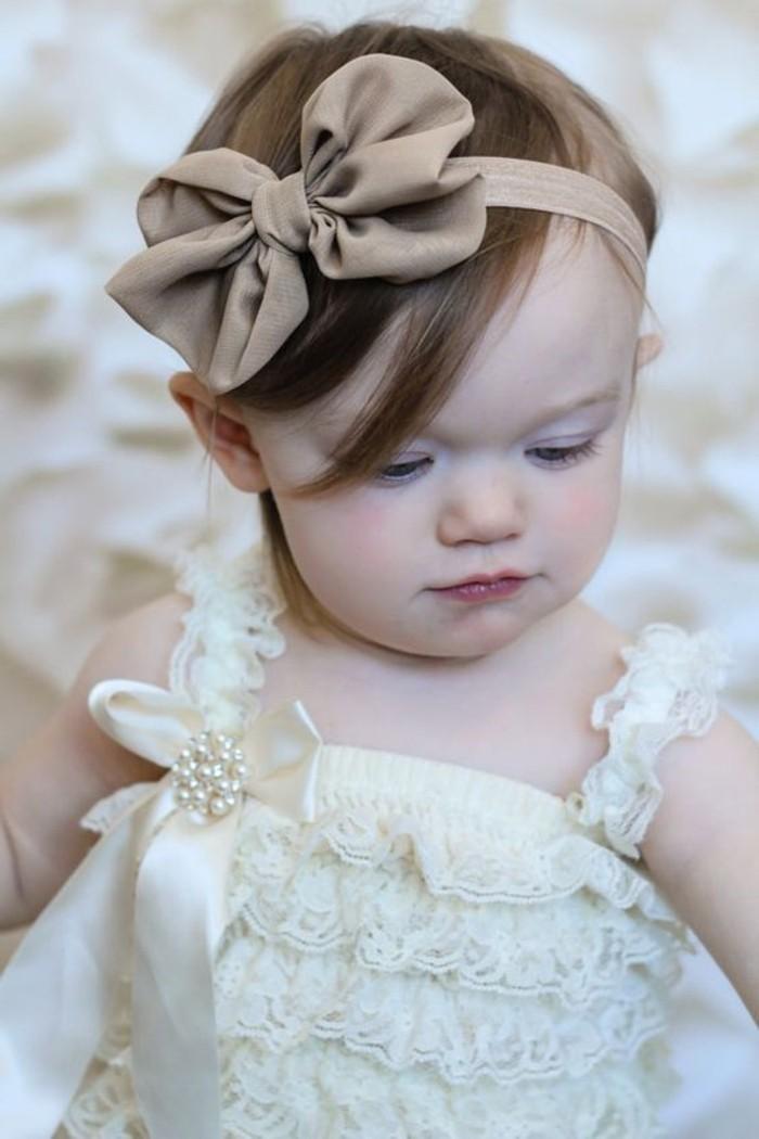 Haaraccessoire-für-Babys-in-Cappuccino-Farbe