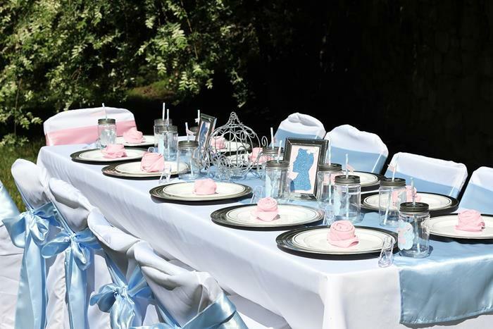 Hochzeitsdeko-Tischdekoration-in-Aschenputtel-Stil
