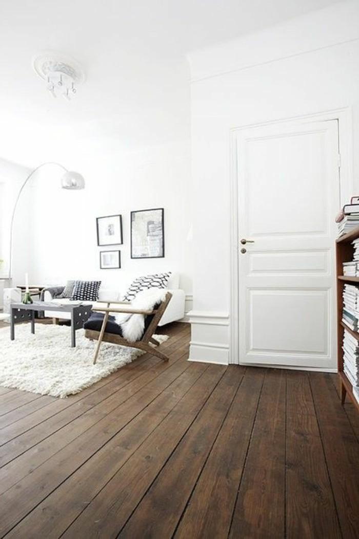 Interieur-in-hellen-Nuancen-Holzboden