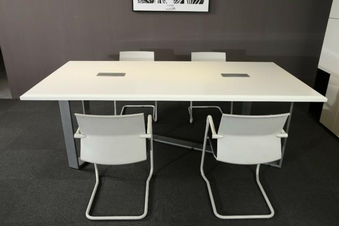 Konferenztische-modern-weiße-stühle