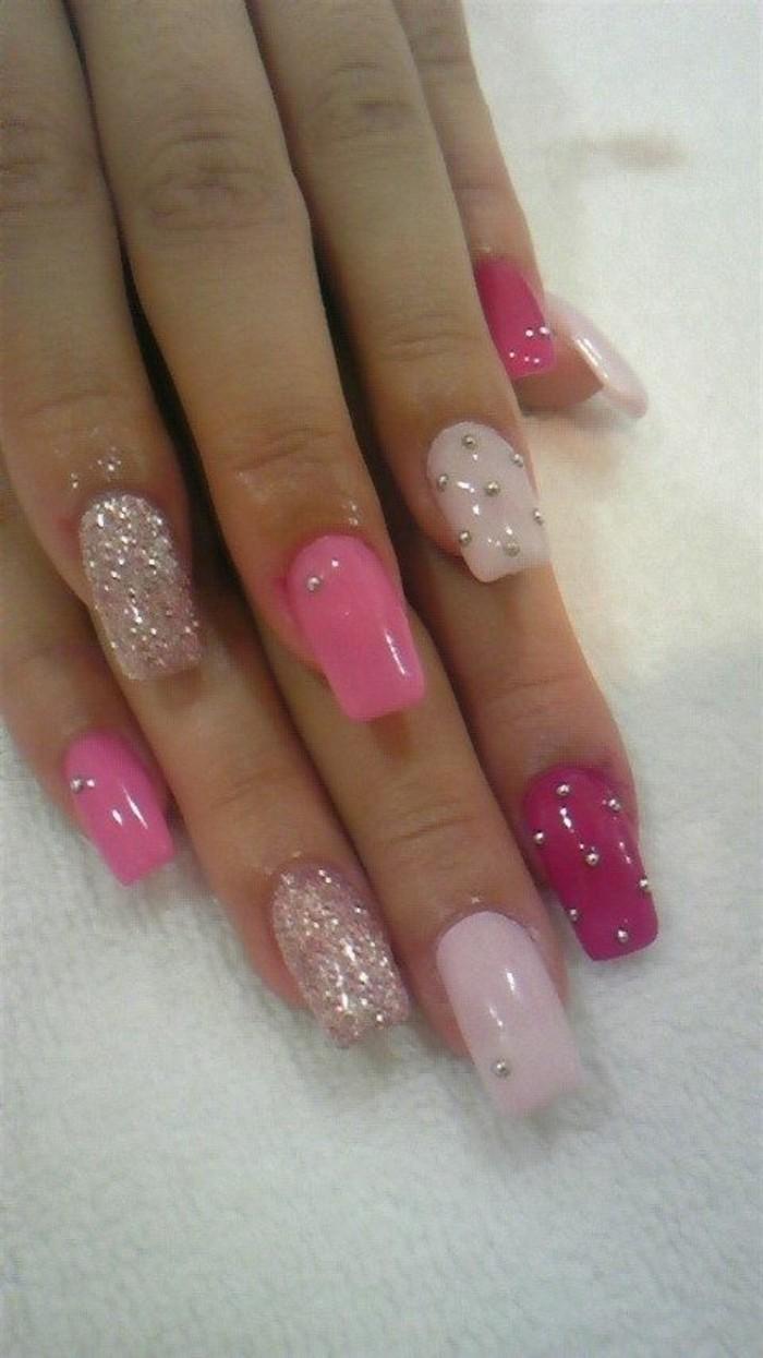 Nagellack-glitzer-pink-silber