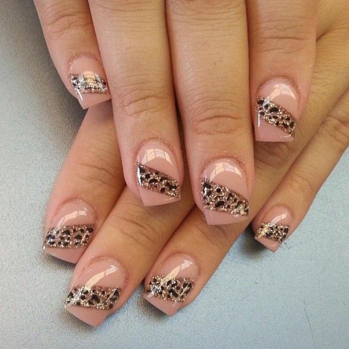 Nagellack-glitzer-pink
