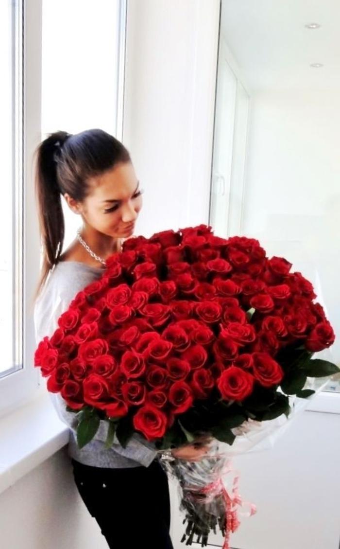 Rosenstrauß-für-valentinstag-super-groß