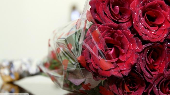 Rosenstrauß-verschicken-große-rosen
