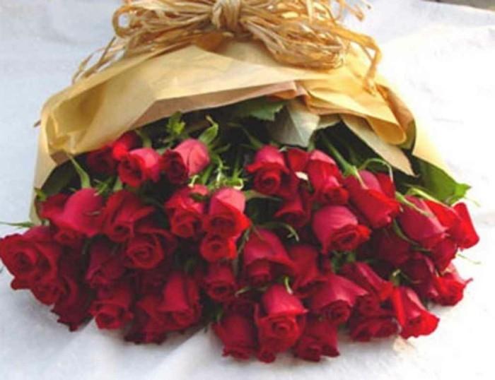 Rosenstrauss-groß-viele-rosen