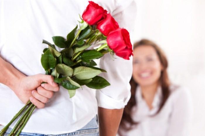 Rote-rosen-für-ihre-freundin-valentinstag