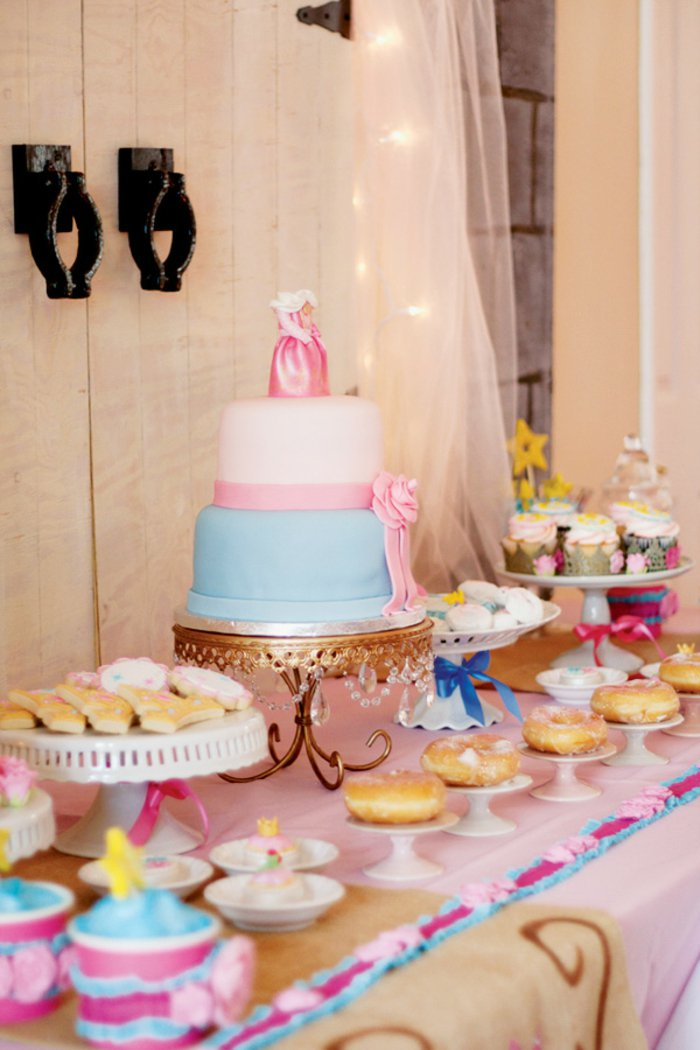 Süßigkeiten-für-Kinder-Geburtstag-in-Dornröschen-Stil