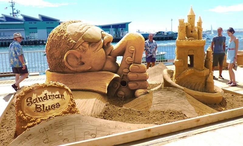Sandskulptur-fürs-Wettbewerb-in-San-Diego