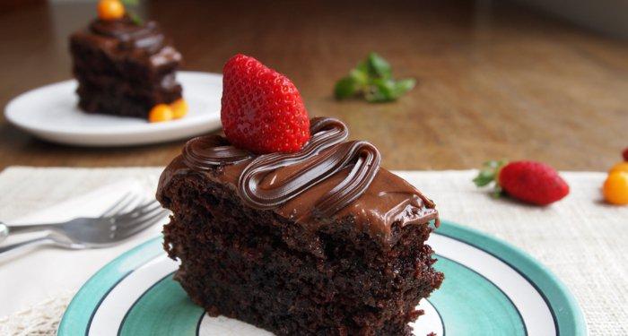 Schokoladentorte-mit-erdbeere