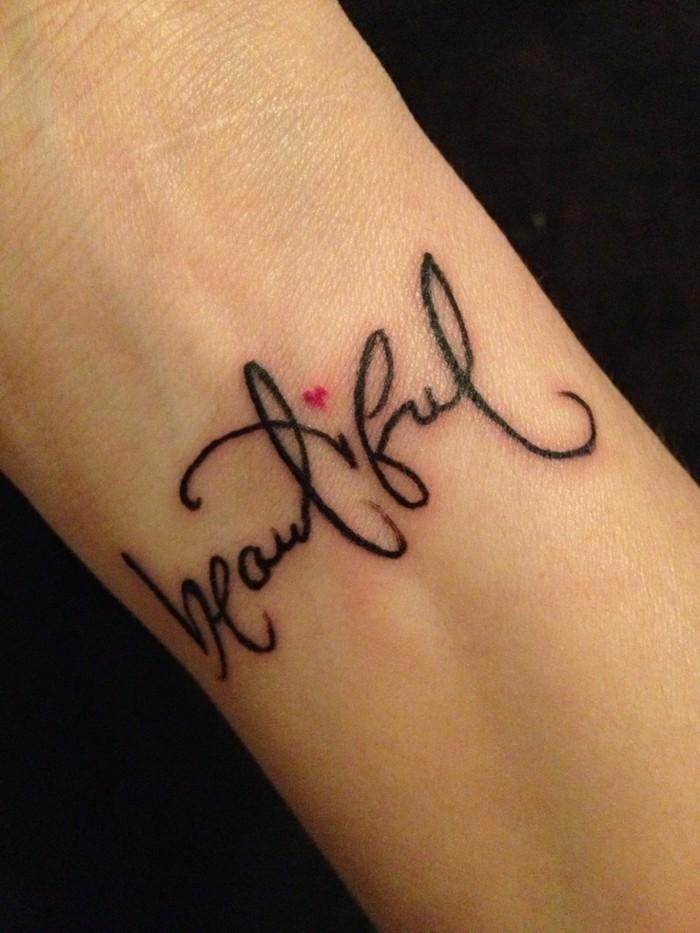Tattoo-Schriftzug-frische-Tattoo-Ideen