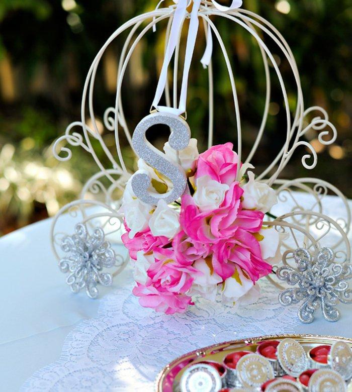 Tischdekoration-für-Hochzeit-inspiriert-von-Aschenputtel