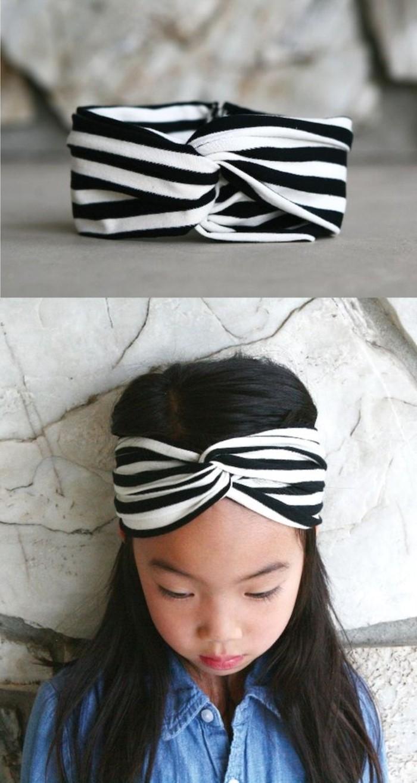 Turban-für-Kinder-an-schwarz-weißen-Streifen
