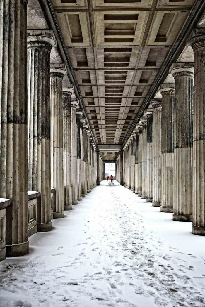 Winterimpressionen-schöne-Fotografien-Winterbilder-Museum-im-Schnee