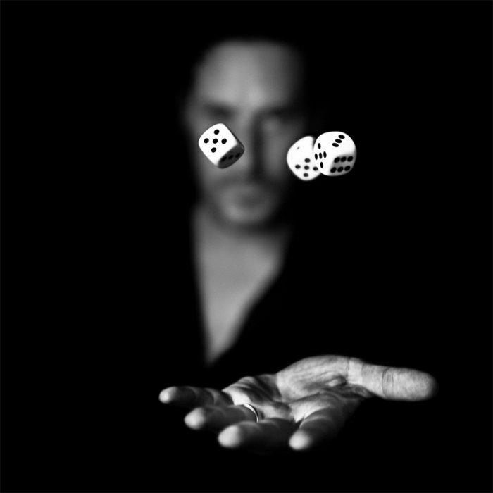 artistische-Kunstfotografie-mit-Würfeln-spielen