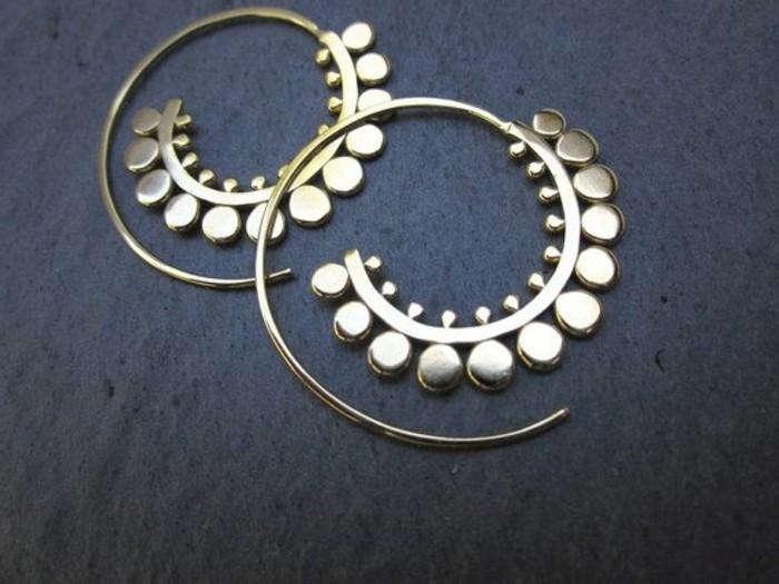 außergewöhnlicher-Schmuck-Damenschmuck-schickes-Modell-Ohrringe