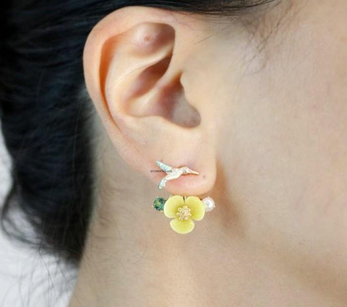 außergewöhnlicher-Schmuck-originelles-Modell-Ohrringe-gelbe-Blumen-Vogel