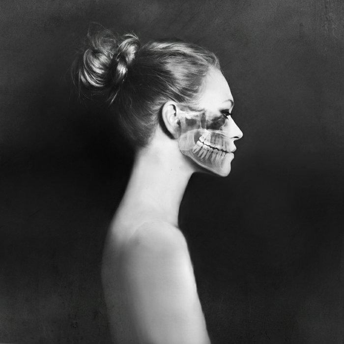 avantgarde-Fotokunst-durchsichtige-Frau