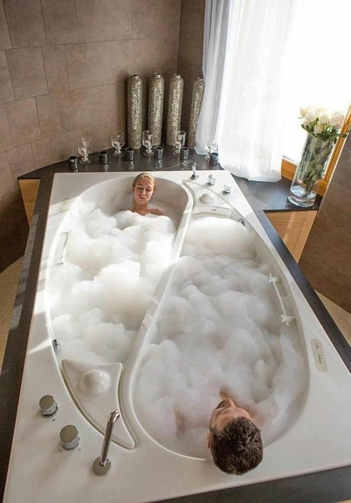 bäder-ideen-sehr-tolles-modell-badewanne-zwei-sektionen