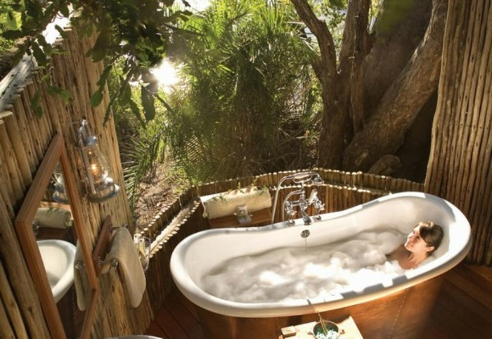 bad-bilder-exotisches-interieur-unikales-modell-badewanne