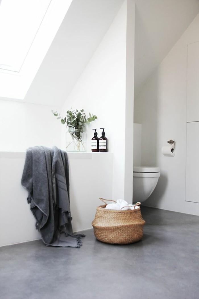 bad-bilder-weiße-minimalistische-gestaltung-tolle-badewanne