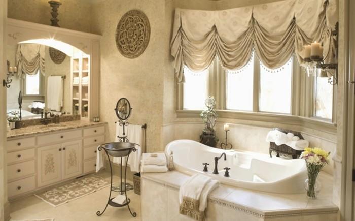 badezimmer-bilder-attraktive-goldenfarbige-gestaltung-modernes-design
