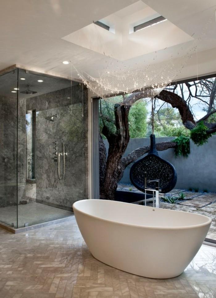 badezimmer-bilder-herrliche-weiße-badewanne-freistehend