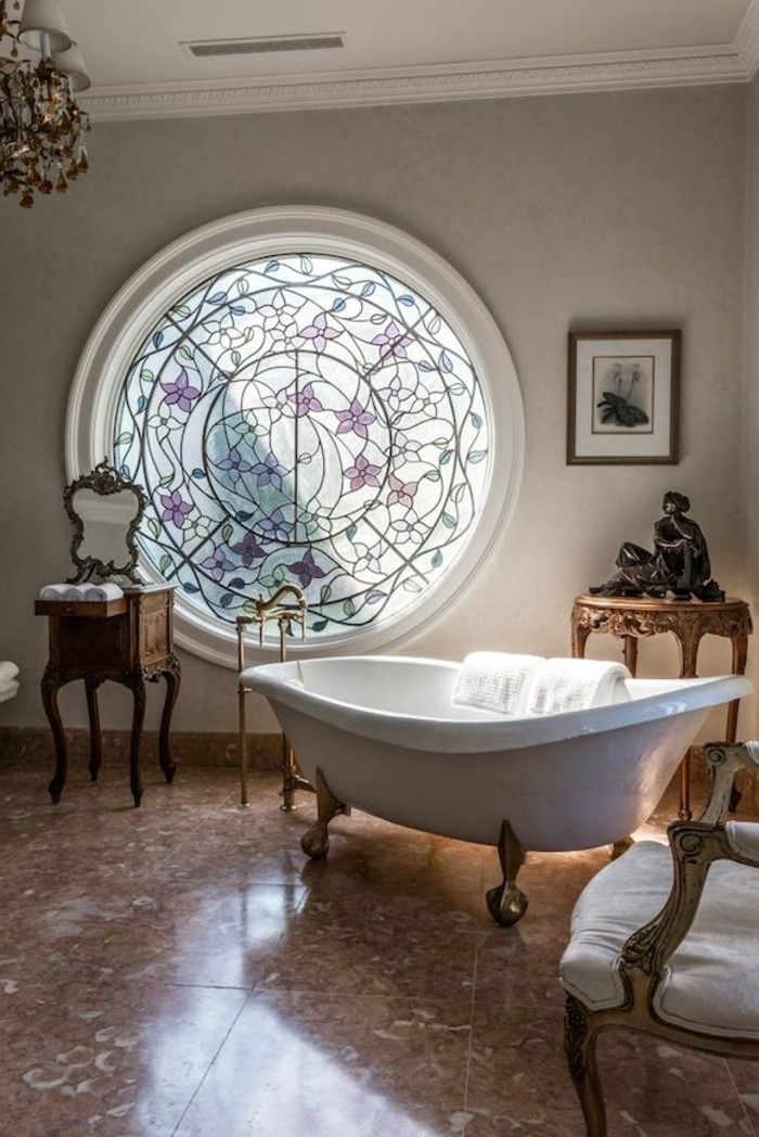 badezimmer-bilder-unikale-freistehende-badewanne
