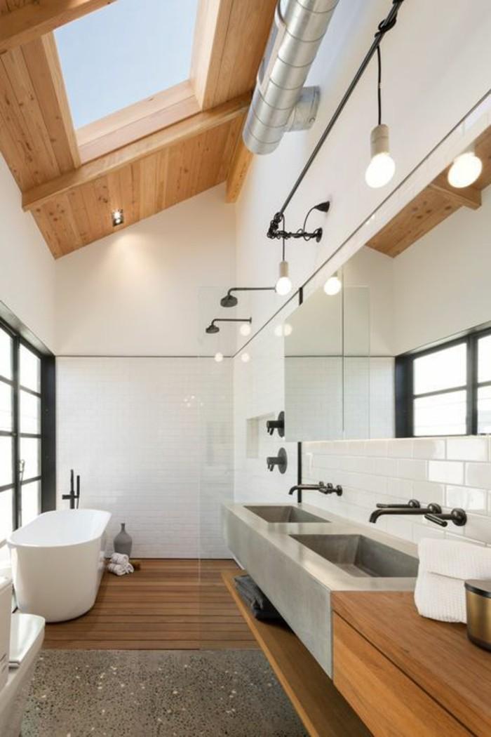 badezimmer-gestalten-hohe-zimmerdecke-weiße-gestaltung