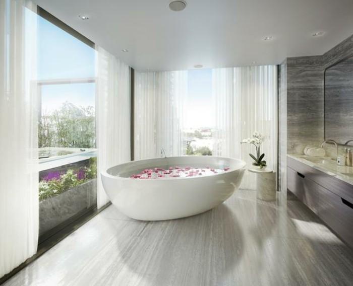badezimmer-gestalten-ideen-weiße-badewanne-tolle-weiße-farbe
