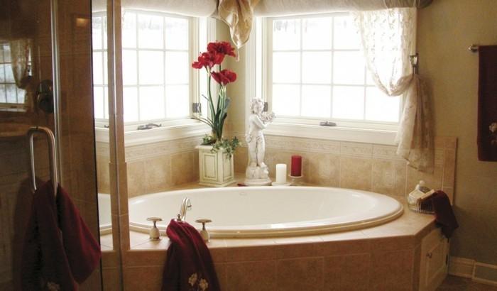 badezimmer-gestalten-originelle-ovalförmige-badewanne