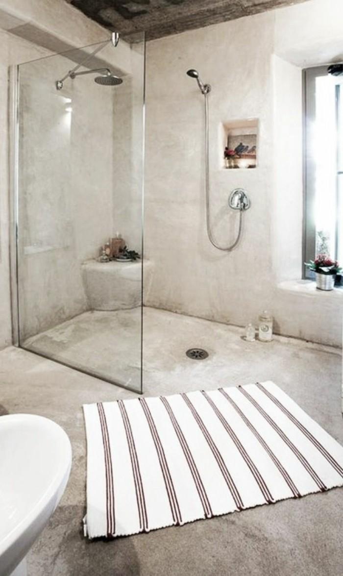 badgestaltung-ideen-interessante-große-duschkabine-weißer-teppich