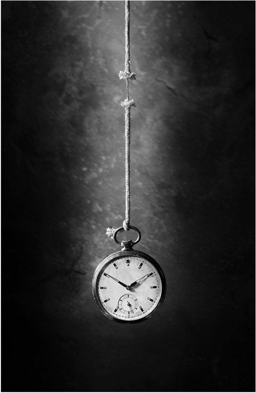cooles-Foto-von-hängender-Uhr