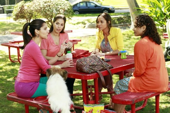 beliebteste-Serien-für-Damen-Devious-Maids