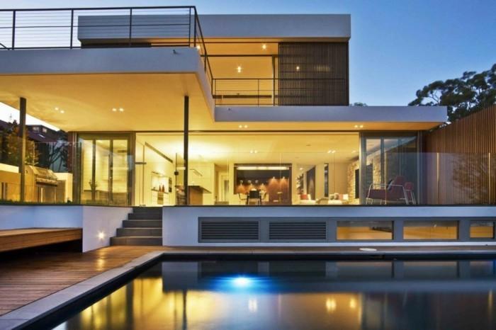 einfamilienhaus-kaufen-unikales-modell-mit-einem-pool